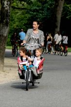 Street Photography Amsterdam Tricycle Mother