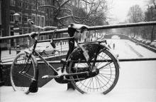Street Photography Amsterdam Winter bicycle